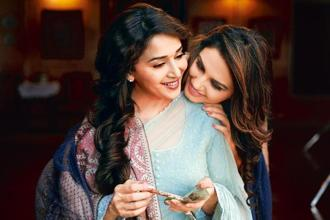 There's more than just female bonding between Begum Para and her helper Muniya in 'Dedh Ishqiya'